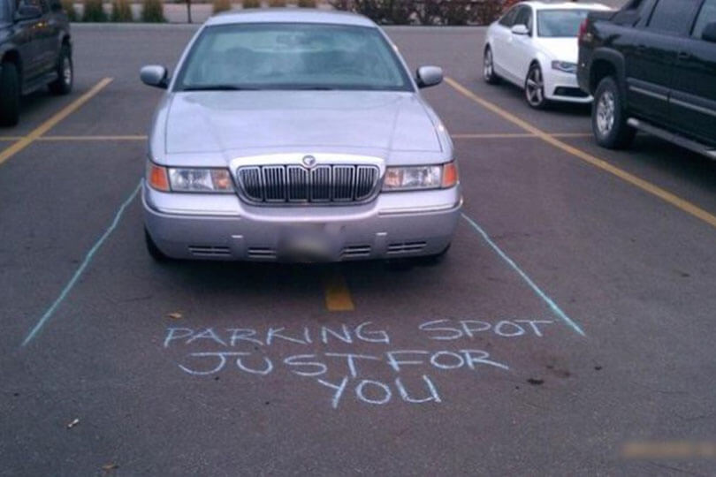 Passive aggressive note on car