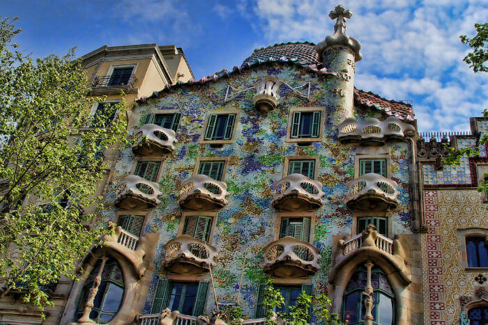 The outside of Casa Battlo in Barcelona