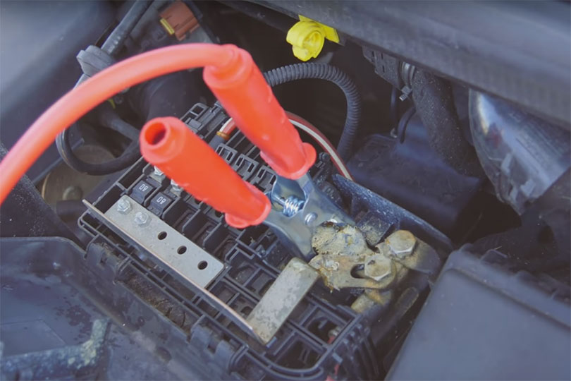 How to jump start and bump start a car - Confused com