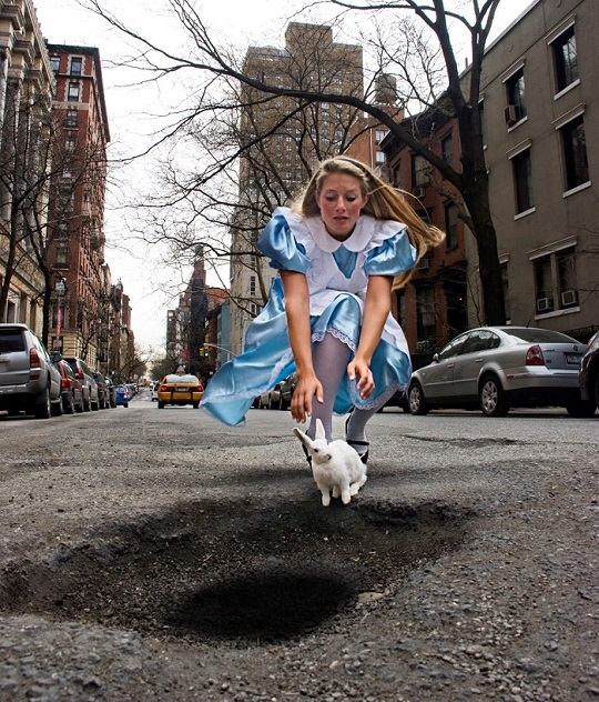 alice in wonderland pothole