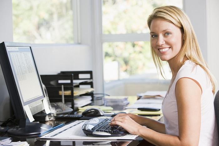https://azcdubvermedia.azureedge.net/media/themes/fab-four/article-content-images/home-insurance/home-office-woman-at-desk-main.jpg?la=en-GB